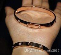 liebe id armband großhandel-Hochwertige Modeschmuck glatte Peeling 316L Titan Stahl Paar Armreif vergoldet 18K Rose Gold Liebe Armband mit tschechischen Diamanten