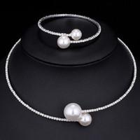 halskette armbänder perle zubehör großhandel-Nachgemachte Perlen-Kristallbrautschmuckset Femal Jahrgang ethnische Hochzeit Geschenk Art und Weise Bijoux Halsketten-Armband für Frauen Zubehör