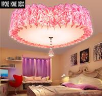 luz de techo en forma de corazón al por mayor-Las lámparas de techo adoran la moda rosa. Dormitorio romántico en forma de corazón con accesorios de iluminación de pvc. Luces de la sala de matrimonio del corazón
