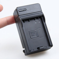 Camera Battery Car Charger per Canon LP-E8 EOS Kiss X4 X5 Rebel T2i T3i EF-S 550D 600D per il LED LUCE VIDEO Battery Monitor