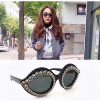 Wholesale charming lips resale online - Fashion popular avant garde style charming lips shape with diamonds frame top quality UV protection eyewear with original box