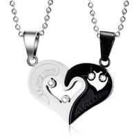 collar a juego al por mayor-Collares de cadena de acero inoxidable para hombres para parejas Señoras coreanas Moda Pareja Parejas Rompecabezas Colgantes a juego Collares de amor de corazón negro