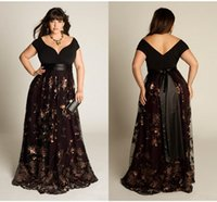 Wholesale Embroidered Green Evening Gown - Stunning Plus Size Long Prom Dresses Black V Neck Shot Cap Sleeves A Line Appliques Evening Party Gowns Vestidos Special Occasion Dresses