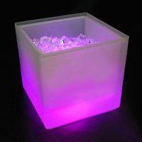 Vente en gros- Cool Party LED Ice Bucket Double Layer Event Night Club KTV LED Bière RGB Color-Changing Clignotant Light Ice Pail Wine Ice Godet