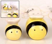 coctelera de sal pimienta de la boda al por mayor-Tarro de abejas de miel saleros de pimienta de cerámica Bombas de mamá y yo en forma de abeja Regalos de boda y favores Recuerdos de fiesta de ducha de bebé