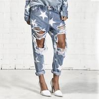 ingrosso fidanzate jeans grossi buchi-Jeans Big Hole per donna con jeans strappati a stella a cinque punte boyfriend jeans blu chiaro per le donne