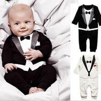 terno preto do romper do bebê venda por atacado-Impressão preto e branco cavalheiro terno o bebê terno roupas de escalada longa O cavalheiro roupa terno romper do bebê