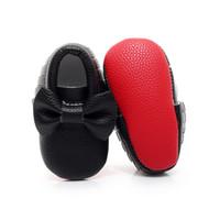 botas franja de borlas venda por atacado-Hongteya Mocassim Bebê Mocassim fundo vermelho sola Macia Sapatos de Bebê recém-nascido borla PU couro de ouro Prewalkers Botas 0-2 Y
