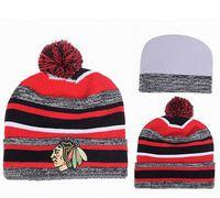 хоккейная шайба оптовых-Wholesale-15 styles blackhawks knitted sport team hat hockey winter pom beanie cap