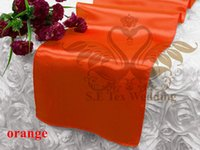 Prix ​​d'usine Orange Couleur Satin Runner Pour Table Cloth Banquet Wedding Runner