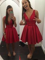 mini rotes organza kleid großhandel-2017 günstige Sheer Deep V-ausschnitt Short Wed Guest Cocktailkleider Red Satin Drapierte Korsett Formale Spezielle Prom Party Kleider