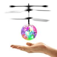 arrow el ilanı toptan satış-RC Drone Uçan Top Uçak Helikopter Yanıp Sönen Led Işık Up Oyuncaklar Çocuklar Çocuklar Için Indüksiyon Elektrikli Oyuncak Drone Yılbaşı hediyeleri