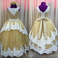 Cute Gold Ball Gown Flower Girl Vestidos para Wedding Bow Sash Lace Applique Jewel Neck Cheap Image Real Imageant Dresses Kids Party Gowns