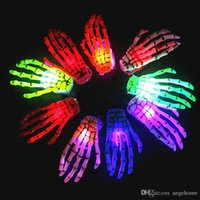 Großhandel Heiße Mode Halloween LED Light Party Zombie Skeleton Klauen Schädel Hand Punk Barrettes LED Hand Knochen Haar Clip