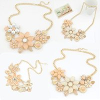 Wholesale Vintage Jewelry Stores - Gold Chains Bauhinia Flowers Jewelry Stores Chokers Pendant Charms Statement Necklace Gold Plated Vintage Necklace Gift E796L