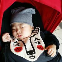 ours bébé serviette achat en gros de-Ins Animalia Bibs conçoit bébé Infantile Cartoon Roxymarj ours tigre coton salive serviette Burp Chiffons bébé vêtements accessoires
