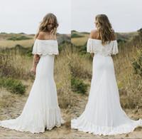 kapalı beyaz bohem elbiseler toptan satış-2018 Seksi Boho Ülke Stil Gelinlik Kapalı Omuz Beyaz Dantel Şifon Bohemian Artı Boyutu Gelinlikler
