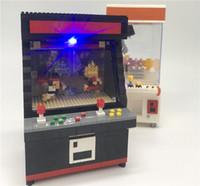 modell kräne spielzeug großhandel-1060+ Diamant Street Game Maschine mit LED Crane Game Modelle Schule Kinder Blöcke Baustein Jungen pädagogisches Geschenk Spielzeug