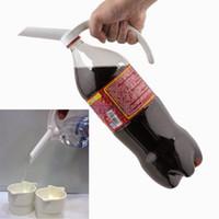 ingrosso plastica della bottiglia di coke-2pcs creativi bevande in bottiglia in plastica maniglia soda coke distributore di acqua drinkeware bottiglia beccuccio manico distributore di bevande