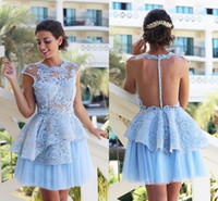Cielo blu chiaro mini abiti da cocktail Short Cappellino manica corta Appliqued Bodys Illusion Tulle Short Homecoming Prom Dresses XXQ