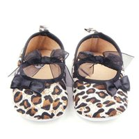 Wholesale Leopard Shoes For Babies - 2016 New Baby Girl Shoes Attractive Leopard Design Upper with 2 Bowknot Elastic Band Anti-slip Soft Sole Dress Shoes for Girl