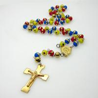 rosenkranz halskette für frauen großhandel-Rosenkranz Halsketten Anhänger Schmuck Multicolor Perlen Charms Edelstahl Jesus Kreuz Halskette Für Frauen