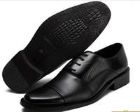 kahverengi parmak ayakkabıları toptan satış-Erkek İş Ayakkabıları Hakiki Deri Erkek Soyunma Ayakkabıları Büyük Boy Erkekler Sivri Burun Ayakkabı Siyah Ve Beyaz Erkekler Elbise Ayakkabı Mens Kahverengi Elbise Ayakkabı
