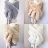 palto gelin görüntüleri toptan satış-Lüks Gelin Şal Kürk Sarar Evlilik Shrug Coat Gelin Kış Düğün Parti Akşam Balo Boleros Ceket Pelerin Beyaz Haki