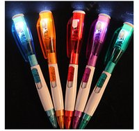 Multifunciton Pen con Flash Light Creative Ballpoint Pen Venta al por mayor de suministros de oficina de la escuela Kids Children Writing Gift
