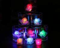 buz küpü dekorasyon led toptan satış-Toptan Satış - Toptan - 12pcs / lot Renk Değiştirme LED Gece Işık buz küpü Parlayan Ice Cube, ışıklı Buz düğün dekorasyon için Led