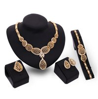 Wholesale Access Jewelry - The new high-end fashion jewelry gold diamond necklace earrings bracelet bridal jewelry party ring 18k family of four female clothing access