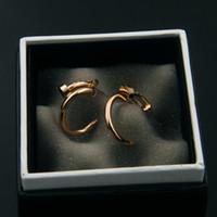 rosé vergoldeter edelstahl großhandel-C-Form gebogener Nagel-Bolzen-Ohrringe für Frauen 18k Rose Gold Platin überzogene 316L Edelstahl-Art- und Weiseuxuxdesign-Schmuck-Weihnachtsgeschenke