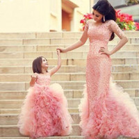 Compra Partite Di Foto-Moda Bella Mamma e Figlia Corrispondenza Abiti Foto Reale Baby Pink Flower Girl Dress Dress Gown Lace Little Girl Party Dress Vestido de