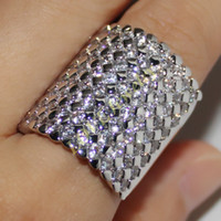 Vitoria Wieck 14K White Gold Filled Simulated Diamond CZ Pave Set Wedding Band Anéis de noivado enorme Hip Pop Punk Jóias