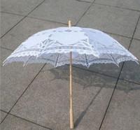ingrosso forniture di nozze bambù-New Multicolor wedding lace umbrella Vintage Style Handmade ricamato in pizzo di cotone parasole da sposa decorazione del partito forniture