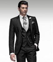 ingrosso vestito nero vestito lucido del girocollo-All'ingrosso-Nuovi Groomsmen Notch Risvolto Smoking dello sposo Shiny Black Stripe Uomo Abiti da sposa Best Man Blazer (Jacket + Pants + Tie + Vest) B964
