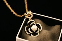 Wholesale 14k gold diamond heart necklace - Camellia Black Flowers Famous Luxury Brand Designer Fashion Charm Jewelry Pearl Necklace 2017 New For Women