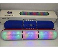 yeni hap hoparlörü toptan satış-Yeni Darbe Hapları Led Flaş Aydınlatma JHW-V318 Taşınabilir Kablosuz Bluetooth Hoparlör Bulit-in Mic Handsfree Destek FM