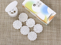ingrosso stampi in plastica rotonda-50g forma rotonda nota fiore Foglia patten Luna Stampi per dolci con 6 stampi in plastica a pressione cinese stampo torta luna, 20 set / lotto.