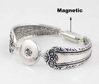 cierre magnético de plata antigua al por mayor-Godagoda pulsera de plata antigua corchete magnético flor tallada pulsera Fit 18-20mm botones a presión Noosa Rivca Charm pulsera regalo E689L