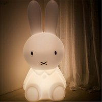 Kreative LED White Rabbit Night Lights Geschenke Warm Intercropping Kinder Baby Schlafzimmer Nachttischlampen mit Batterie Party Decor