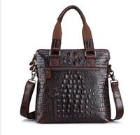 evrak çantası satışı toptan satış-Sıcak Satış Moda Yeni erkek deri Omuz Çantası Büyük kapasiteli iş evrak çantası Erkekler için Yüksek kaliteli timsah dövme deri çanta