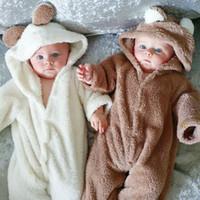 baby schöne pyjamas groihandel-Hot In Baby-Samt Body Pyjamas weiche reizenden Bärenohren mit Kapuze Kinder Kleidung Weiß Braun 2017 Herbst-Winter Hotsale 6M 12M