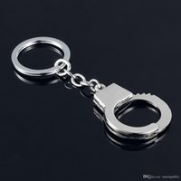 Wholesale Handcuff Keychain Wholesale - keychain! Casual Fashion couple Handcuffs Key Chains Ring Creative car metal key holder Souvenir for men gift 2028