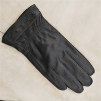 Wholesale 2017 Genuine Leather Gloves for Men Real Sheepskin Black Gloves Fashion Brand Warm In Winter Mittens New Arrival