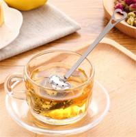 teefilter ball großhandel-Heart Shaped Tee Infuser Mesh Ball Edelstahl Sieb Kräuter Locking Tea Infuser Löffel Filter Kostenloser Versand