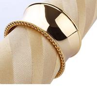 placas de grabado de metal al por mayor-Servilleta de metal anillo de servilleta para el hogar y la decoración de la mesa de boda De lujo grabado en plata chapado en oro Servilletero de acero inoxidable