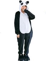 39f6a7dc23 Pigiama Panda Pigiama invernale con occhi rossi di BlackWhite Animal Pigiama  con cappuccio in flanella invernale All In One Cosplay Indumento Sleepwear  ...