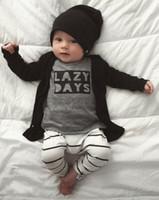 jungen 12 monate kleidung großhandel-2017 Baby jungen kleidung INS Baby Kleidung brief t-shirt + gestreiften hose Sets Säuglings kleidung Kleinkind Jungen Kinder 9 12 18 24 monat
