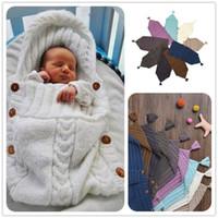 couvertures de bébé en coton à la main achat en gros de-Nouveau-né Bébé Sacs De Couchage Tricotés Couverture Main Wrap Super Doux Sac De Couchage Coton Jacquard Couverture Couche Fil Gland Chapeau Haut